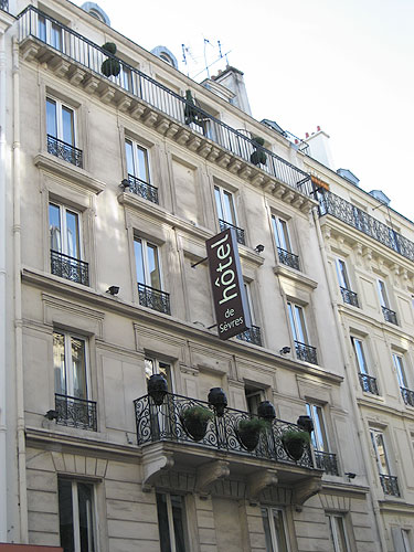 Hotel paris pas cher discount hotels paris hotels for Hotel pas chers